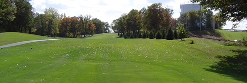 Hole 1 fairway viewed from the tee box